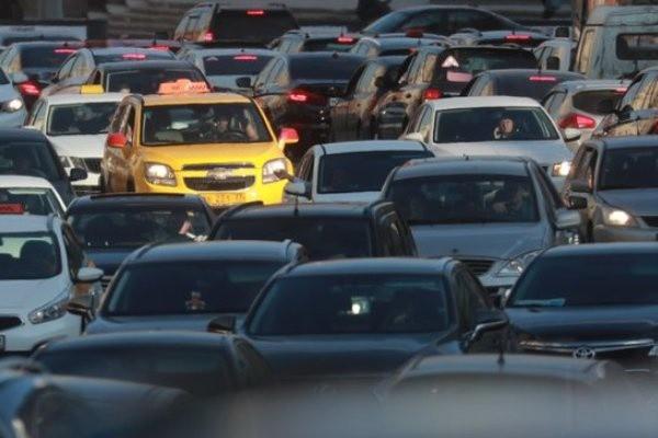 Автомобилистов обяжут платить два новых налога