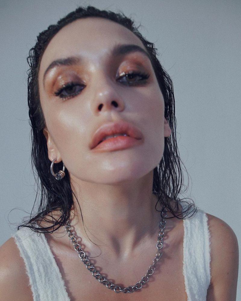 Неудачный ракурс и перекачанные губы: Ольга Серябкина опубликовала одно из худших своих фото