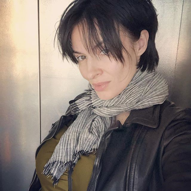 Надежда Грановская опубликовала два фото без макияжа, отказавшись от ретуши и фотошопа