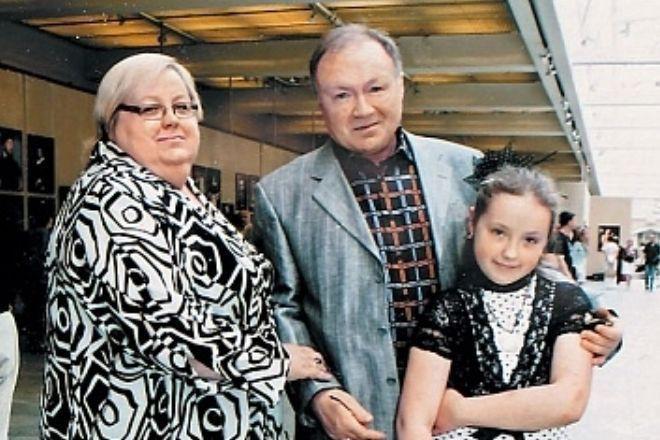 Юрий Кузнецов на премию «Ника» пришел с дочерью, которая пошла в мать, став симпатичной пышкой