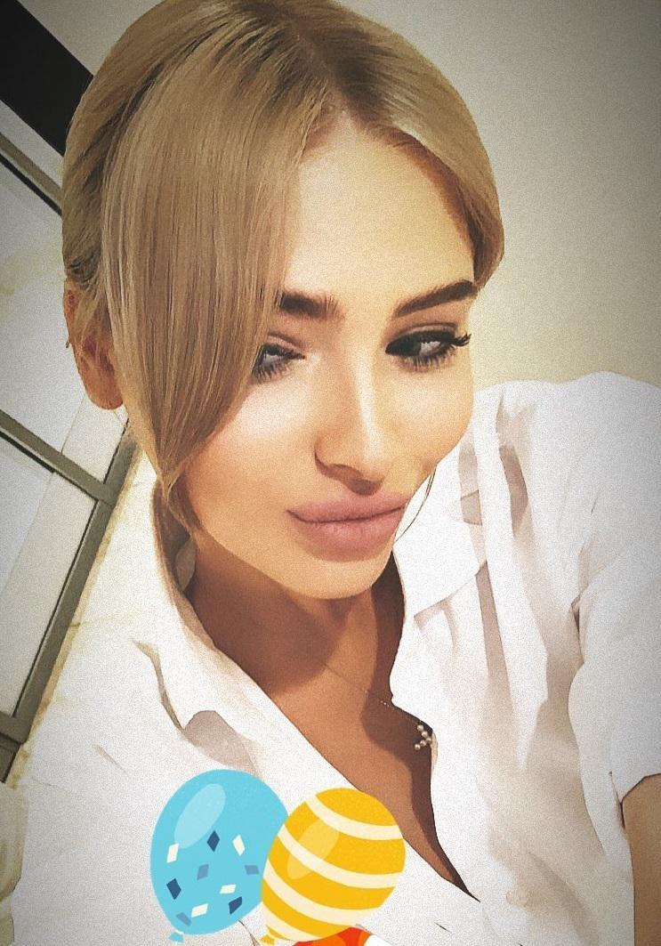 «Вечная блондинка» Алена Шишкова после публикации неудачного фото перекрасилась в брюнетку