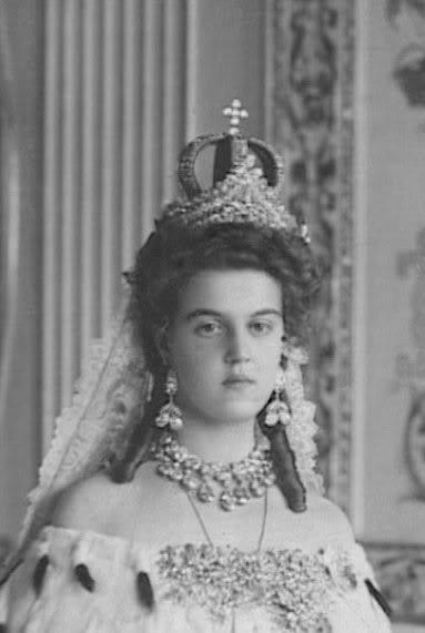 Бриллиантовая комната: как вскрывали сокровища Романовых