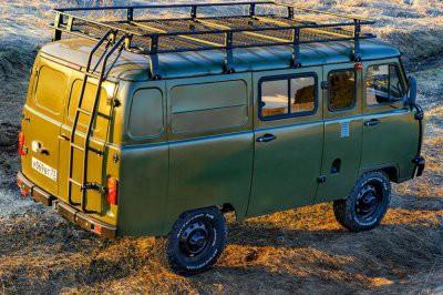 Названы цены и комплектации нового УАЗ «Буханка»