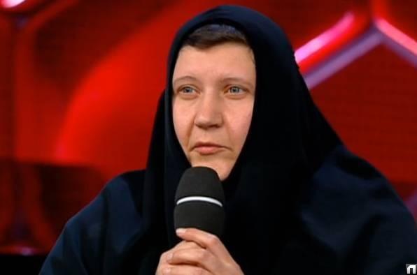 Ушедшая в монастырь певица Юлия Матвеева рассказала о гибельном пути Началовой и Фриске