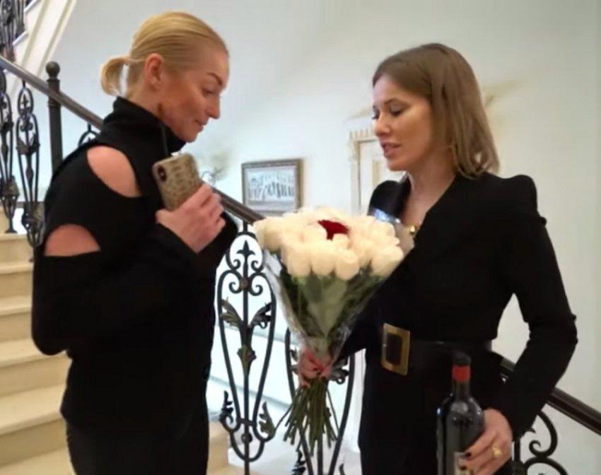 Волочкова рассказала Собчак о предательстве матери и романе с Керимовым