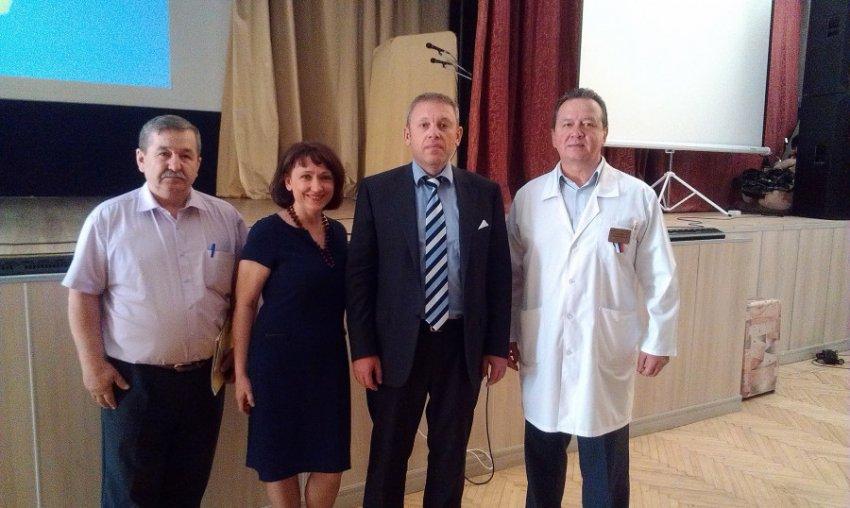 Заслуженный врач России обвинил Елену Малышеву в клевете и нарушении этики