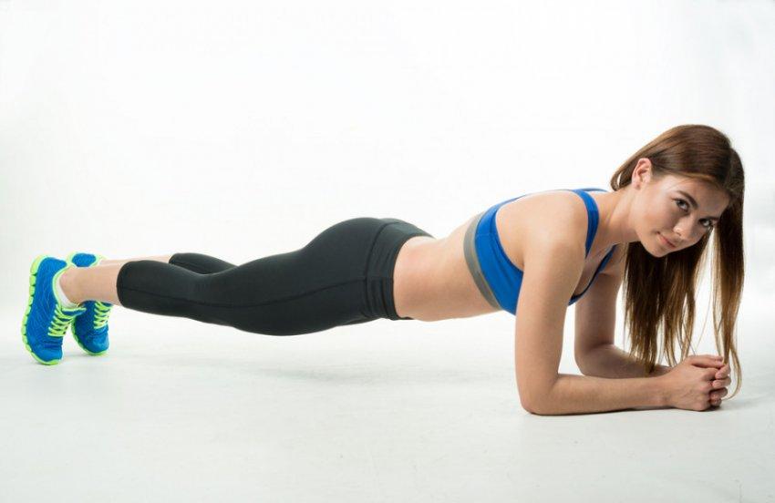 Идеальный пресс к лету: 5 проверенных упражнений для красивого живота