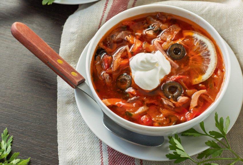 Солянка, любимый суп россиян, признан самым вредным продуктом