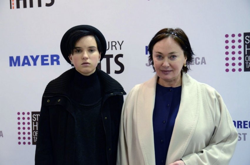 19-летняя дочь Ларисы Гузеевой Ольга перекрасила волосы вслед за мамой