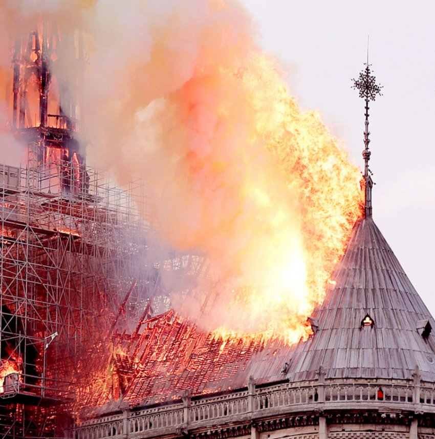 У финалиста «Битвы экстрасенсов» было видение о пожаре в Нотр-Дам де Пари