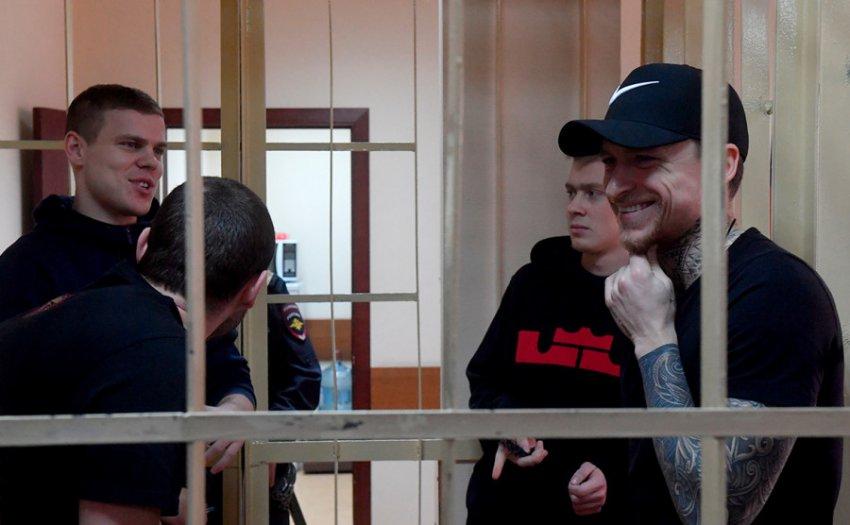 Оставшиеся в СИЗО до осени футболисты Кокорин и Мамаев раскритиковали прокурора