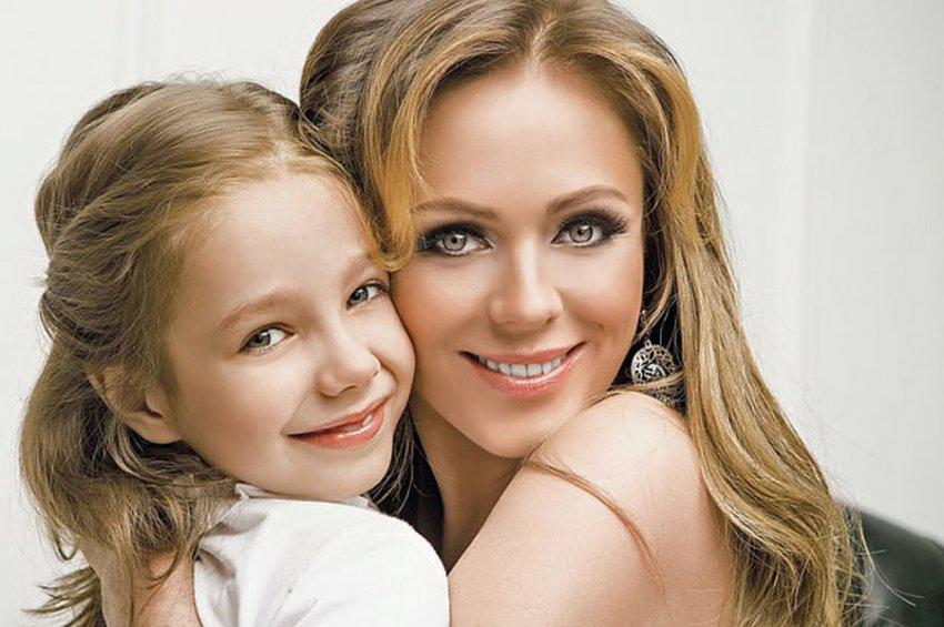 Дочь Юлии Началовой впервые после смерти матери дала интервью