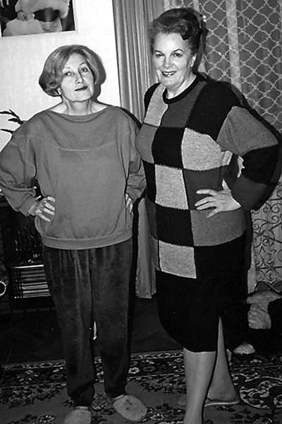 Сестра и домработница вступили в схватку на наследство Элины Быстрицкой