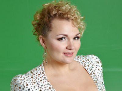 Надежда Ангарская зачитала рэп о тяжелой жизни женщины