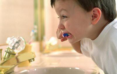 Ученые узнали, чем опасен отказ детей от чистки зубов