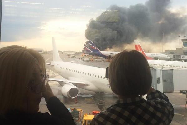 Самолет разбился сегодня: почему упал самолет, новости сейчас