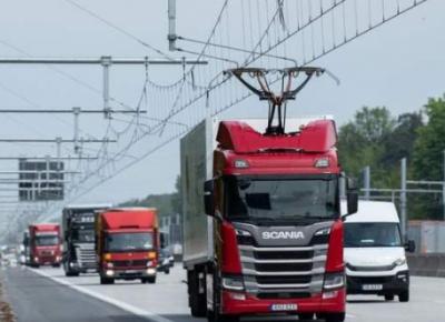 В Германии начались испытания первой электрической магистрали для грузовиков