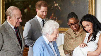 Ведущий BBC сравнил сына принца Гарри с шимпанзе