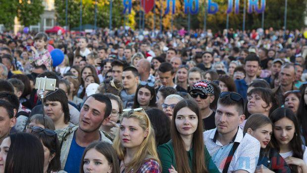 Концерт российских звезд в Луганске собрал более 50 тысяч зрителей