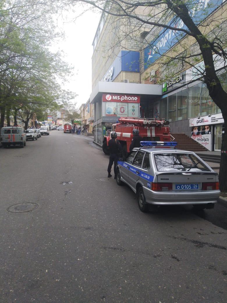 В ФСБ России по городу Кисловодск поступил звонок о минировании ТЦ Кристалл