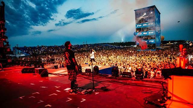 Стал известен список звёзд, которые выступят на юбилейном рок-фестивале «Нашествие»