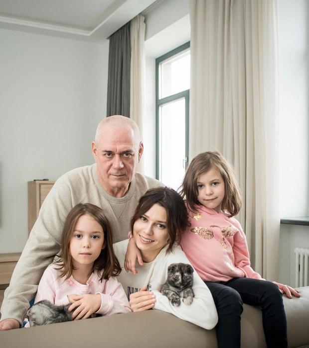 Вдова Сергея Доренко посетовала на тяжёлые времена