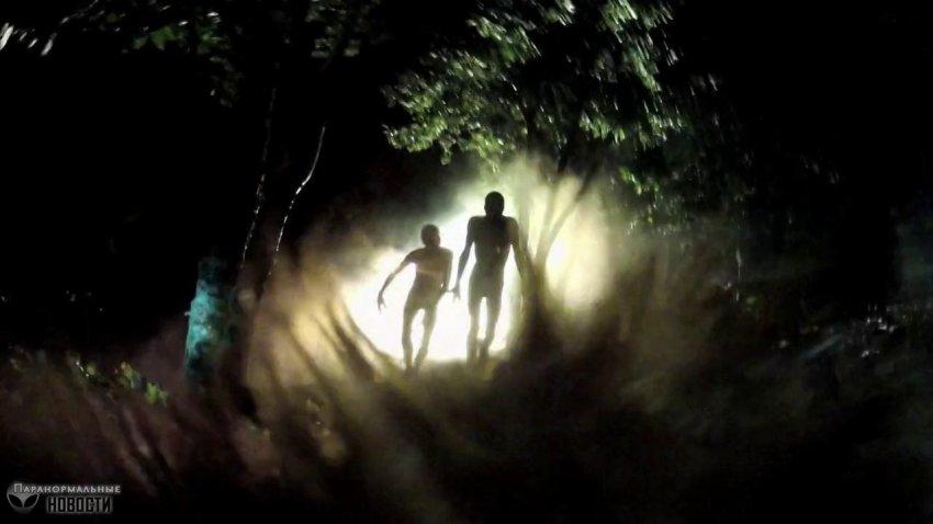 Похищенного пришельцами мужчину держали в баке с зеленой жидкостью