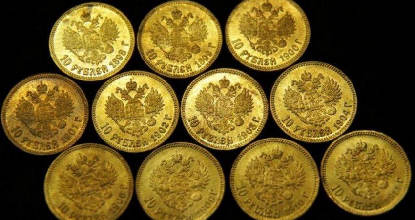 Житель Курска требует 2 млн рублей за найденный клад, который подменили в отделе полиции