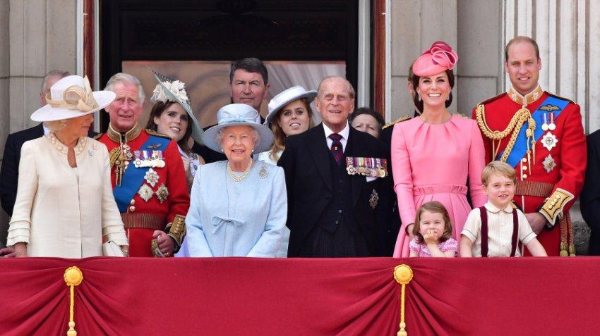 Лена Миро раскритиковала королевскую семью, назвав их «облезлыми обезьянами»