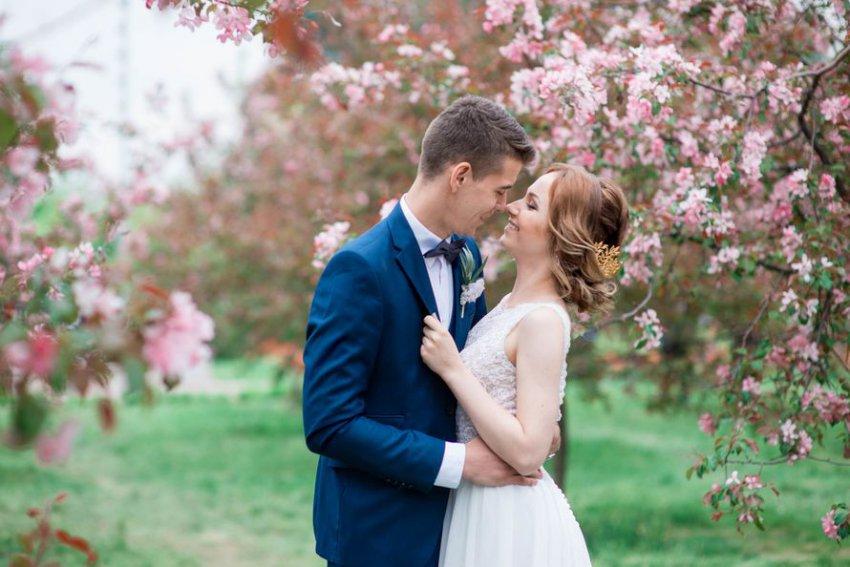 Если сыграть свадьбу в мае, потом всю жизнь маяться?