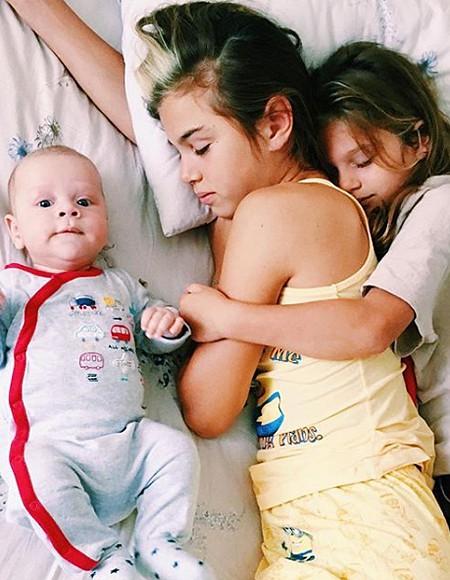 Анна Седокова страдает из-за разлуки с дочерью