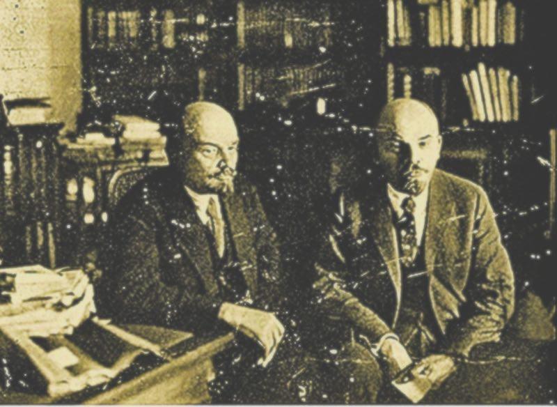 Ринат Волигамси обнародовал фейковые семейные фото Владимира Ленина