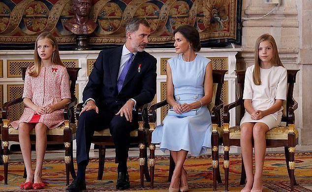 Как выглядят подросшие дочери Летиции – одной из красивейших королев в Европе