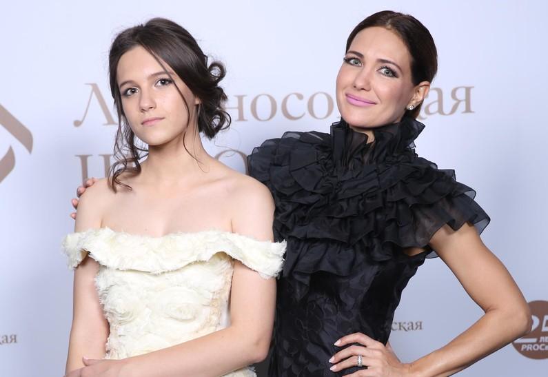 17-летняя дочь Екатерины Климовой высказалась по поводу слухов об изменах матери