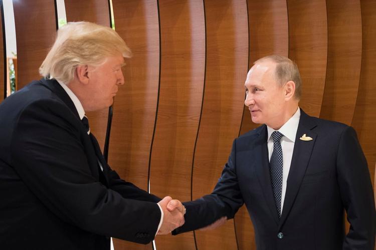 «Мы подождем»: Путин об отношениях с США