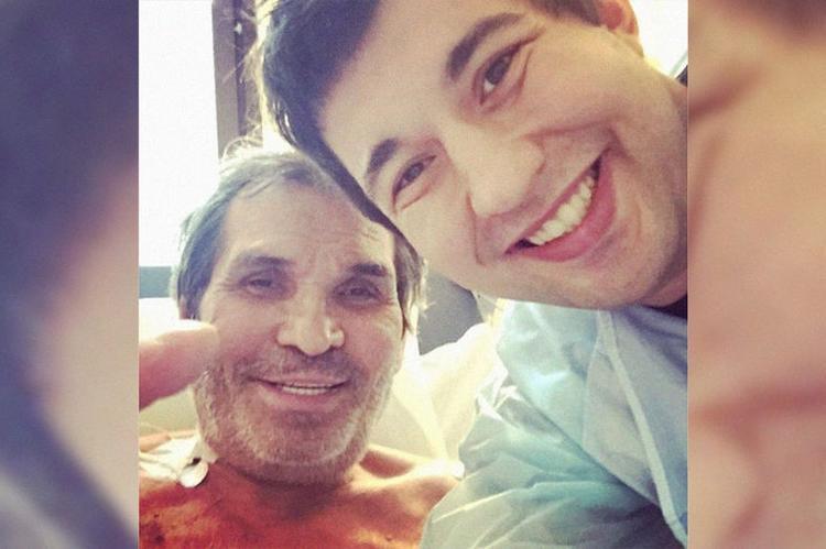 Алибасов со слезами умолял врачей не привязывать его к кровати: почему медики считают отравление спектаклем