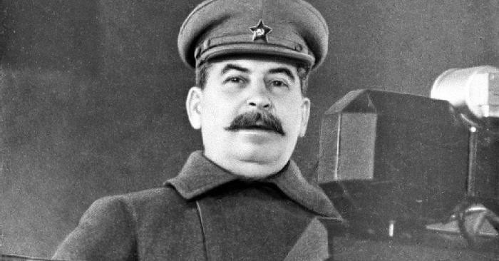 Зачем Сталин вернул в РККА погоны зимой 1943 года?