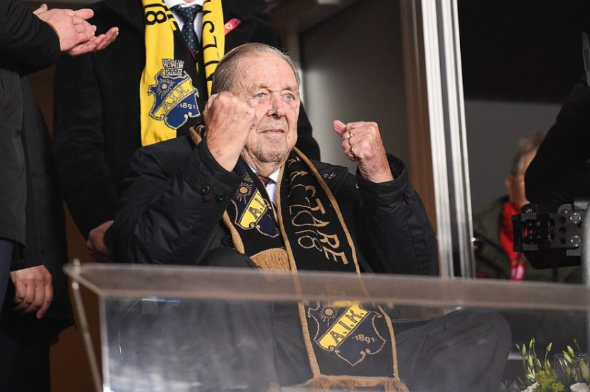 Экс-президент УЕФА Леннарт Юханссон умер в день своего 89-летия