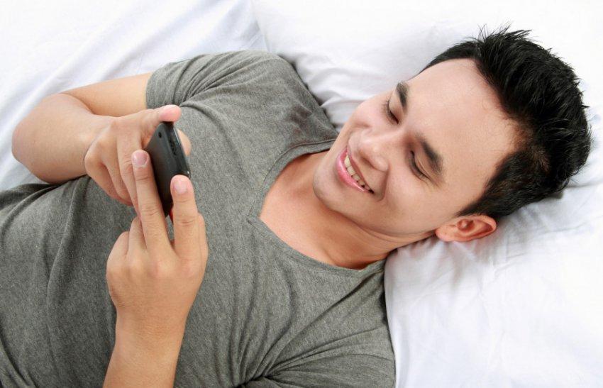 Правила написания смс, позволяющие завладеть вниманием парня