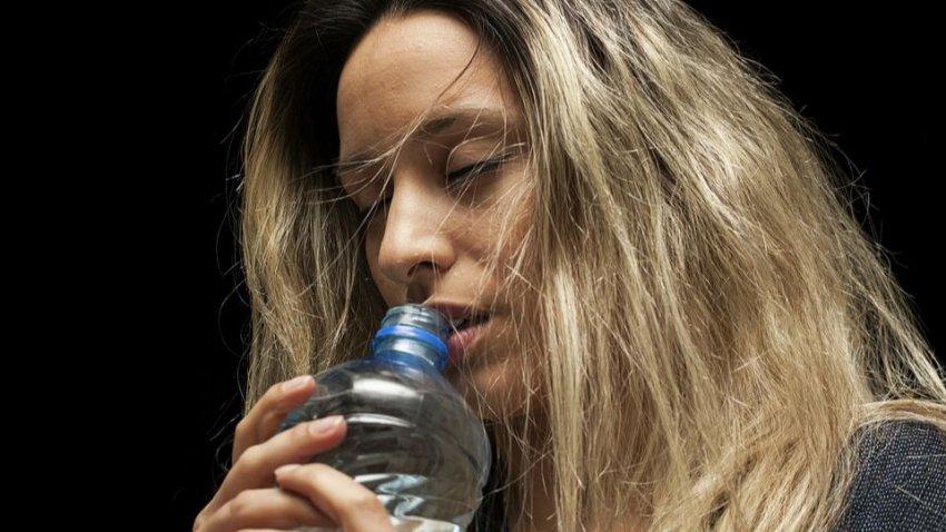 Человек за год съедает 500 тысяч микрочастиц пластика