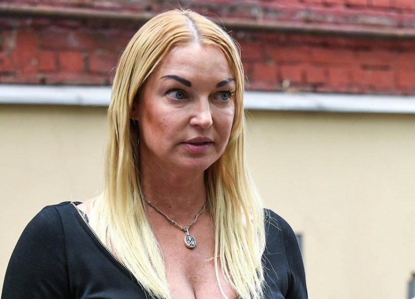 Анастасия Волочкова ответила на обвинения в алкоголизме