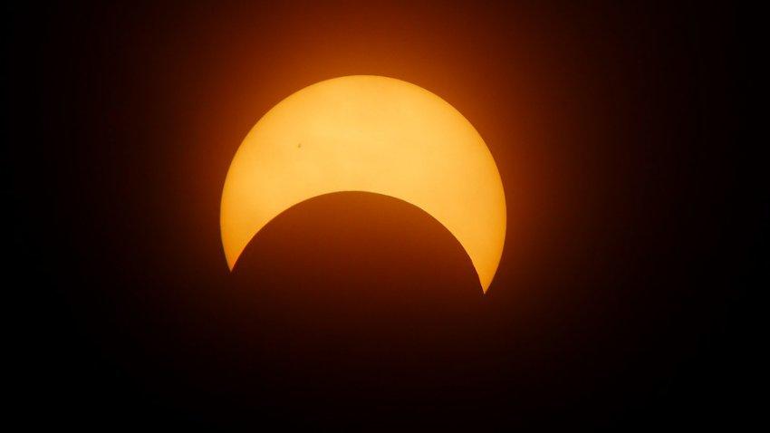 Полное солнечное затмение в 2019 году: когда Луна полностью закроет Солнце