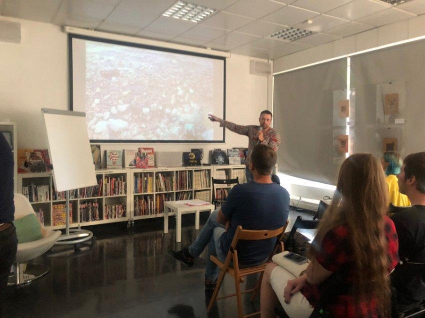 Почему кубинцы не любят русских и как они живут без интернета: В РГБМ прошла лекция о жизни на Кубе