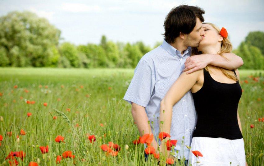 Любовный Таро-прогноз на июль для Близнецов, Весов и Водолеев