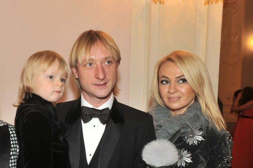 Яна Рудковская освятила свой дом из-за паранормальных явлений