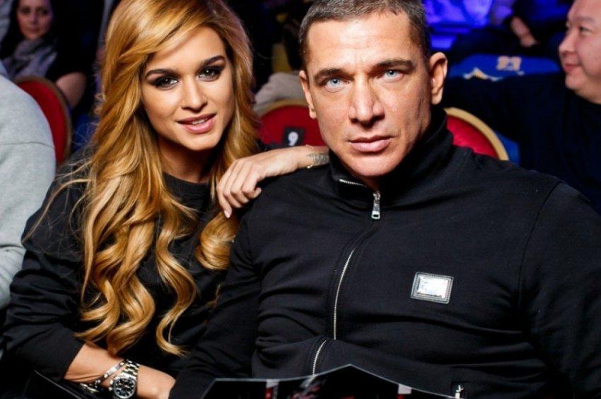 Лена Миро обозвала Ксению Бородину курицей и унизила ее мужа