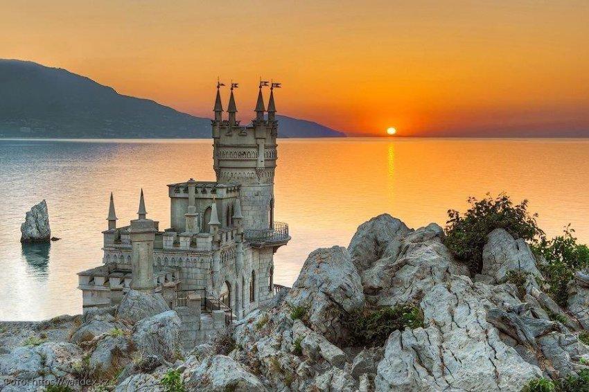 Где лучше отдохнуть: в Сочи или в Крыму