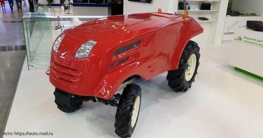 «Роскосмос» выпустил беспилотный трактор