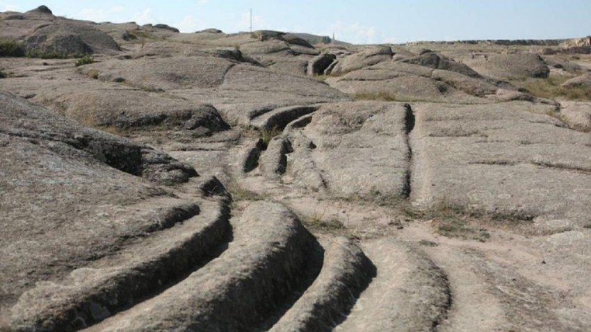 По всей Земле находят следы от колес возрастом 12 миллионов лет