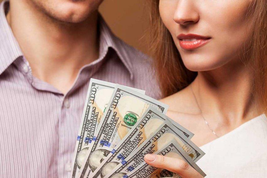 Чем больше, тем лучше: для представителей каких трех знаков Зодиака деньги — самое главное в жизни